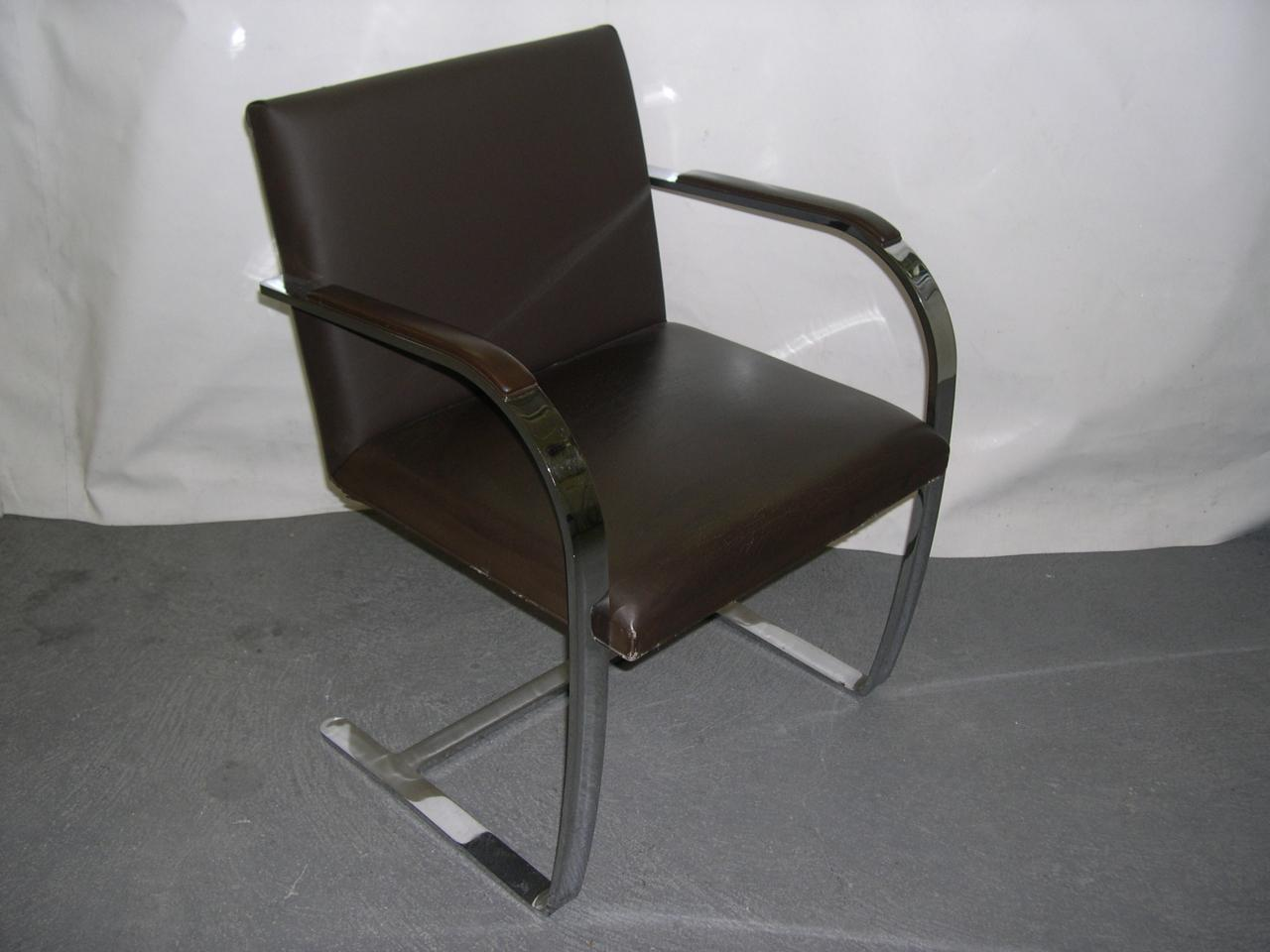 Restauration de dossier sur fauteuil knoll